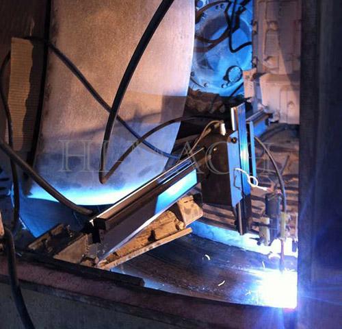 自动堆焊机